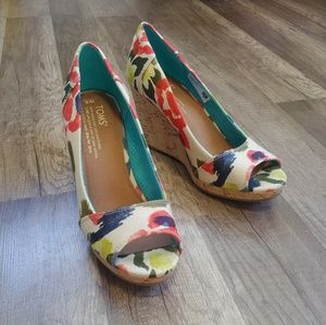Toms floral Stella peep toe wedges, size 6